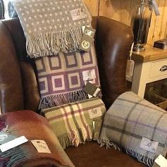 Home Accessories Woollen throws